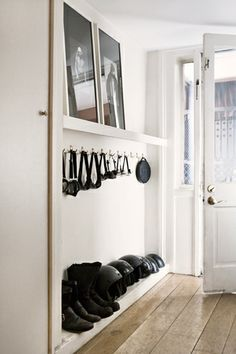 Langer Flur - New Ideas Small Space Organization, Small Storage, Shoe Storage, Organizing Ideas, Coat Storage, Key Storage, Storage Ideas, Hallway Inspiration, Interior Inspiration