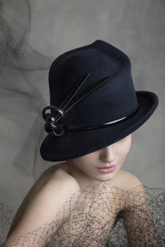 OC 517 Philip Treacy Hats, Aw 2018, Derby Hats, Headpiece, Riding Helmets, Fall Winter, Couture, Womens Fashion, Collection
