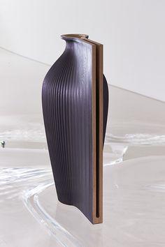 Ves-el, Gareth Neal in collaboration with Zaha Hadid Zaha Hadid, Wood Sculpture, Sculptures, Decoration, Art Decor, Vases, Scissors Design, Vase Crafts, Pots
