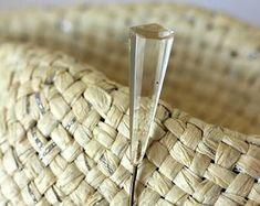 Edler vintage-Schmuck für jeden Anlass von petitebijouterie auf Etsy Wicker Baskets, Vintage Jewelry, Home Decor, Vintage Jewellery, Creative, Decoration Home, Interior Design, Home Interior Design, Woven Baskets