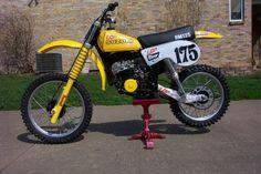 1978 Suzuki About as tricked out as it gets Mx Bikes, Motocross Bikes, Vintage Motocross, Racing Motorcycles, Cool Bikes, Vintage Bikes, Vintage Motorcycles, Retro Bikes, 2 Stroke Dirt Bike