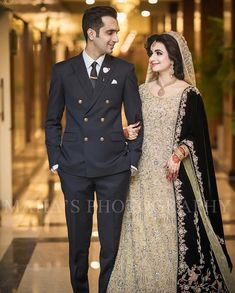 Brides dream about having the most appropriate wedding day, however for this they require the most perfect bridal wear, with the bridesmaid's dresses enhancing the brides-to-be dress. Here are a variety of tips on wedding dresses. Black Bridal Dresses, Bridal Mehndi Dresses, Walima Dress, Pakistani Wedding Outfits, Bridal Dress Design, Wedding Dresses For Girls, Bridal Outfits, Wedding Attire, Pakistani Suits