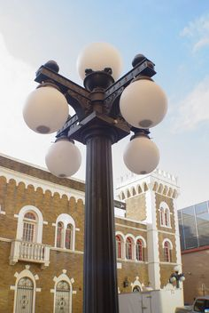 Ybor City street light with the Castle behind (10-2009)