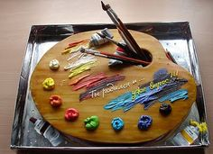 Fantastic artist's palette cake. Painters gonna love it ! I think so..