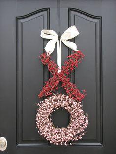 xohoothoot:  Chi Omega wreath♥