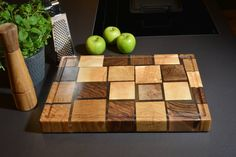 Cutting board butcher-block style: All the leftovers from the tale production can still be used. We arrange different wood species (walnut, oak, elm, ash) and create cutting boards. Cutting Boards, Butcher Block Cutting Board, Raw Materials, Wood Species, Designer, Ash, Lamps, Woodworking, Canning