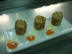 Albóndigas de bonito y jengibre con puré de papaya