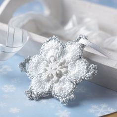 FREE Christmas star snowflake crochet pattern by Val Pierce