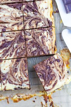 Looking for a delicious treat that won't ruin your carb count? These Keto Brownie Cheesecake Bars from our friend Kellie at The Kellie Kitchen are just the thing!
