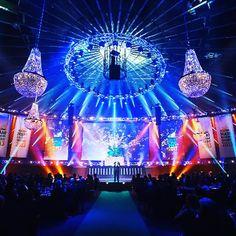 showlightiberia #luxuryevents #eventoscorporativos #showlight #lightdesign #lighting #eventstyling #corporateevents #eventservices #chandelierrental #eventoscorporativos #eventos #gala