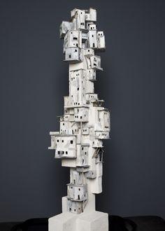 Een thematisch object dat de beleving van een sloppenwijk 3 dimensionaal in uw kamer doet herleven. Clay Houses, Ceramic Houses, Paper Houses, Miniature Houses, Cardboard City, Cardboard Sculpture, Cardboard Houses, Pottery Houses, Favelas