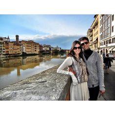 O Rio Arno é um famoso rio da Itália atravessa a região da Toscana passa por Florença e Pisa antes de desaguar no mar. Lindo e é uma delicia passear ao longo dele parar tirar fotos dos melhores angulos...  É o rio mais extenso da região da Toscana; Várias pontes atravessam o Arno; A ponte mais famosa é a Ponte Vecchio (linda) da qual falaremos mais depois.  #blogmaniadeviagem #maniadeviagem #europa #europe #italia #italy #toscana #florença #firenze #florence #rioarno #pontevecchio #eurotrip…