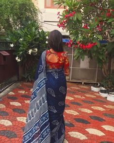 Online shopping from a great selection at Clothing & Accessories Store. Kalamkari Blouse Designs, Kalamkari Saree, Kurta Designs, Kalamkari Blouses, Blouse Neck Designs, Blouse Patterns, Saree Styles, Blouse Styles, Indian Designer Outfits