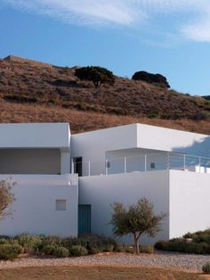 The main idea behind the design of the Ktima house on the island of Antiparos, Greece, was based on using the existing site walls and topography to create two dissimulated house elevations.
