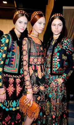 Ugh I love this collection so much Valentino \/ SS 2014 \/ High Fashion \/ Ethnic & Oriental \/ Carpet & Kilim & Tiles & Prints & Embroidery Inspiration \/ Ethnic Fashion, Look Fashion, Gypsy Fashion, Runway Fashion, High Fashion, Fashion Show, Womens Fashion, Fashion Design, Fashion Trends