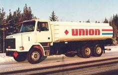 SISU SR270 Big Rig Trucks, Classic Trucks, Gas Station, Old Toys, Buses, Finland, Cars And Motorcycles, Transportation, Nostalgia