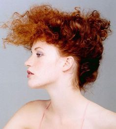 cheveux bouclés | curly red hair