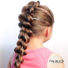 Pretty Hair is Fun: Pull Through Split Braid Flower Girl Hairstyles, Pretty Hairstyles, Easy Hairstyles, Zipper Braid, Five Strand Braids, Parting Hair, Infinity Braid, Pretty Braids