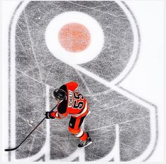 Happy birthday Nick Schultz! Also this is a really cool picture #philadelphiaflyers