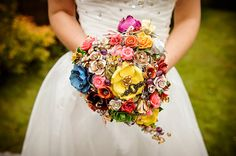 A Heart Wedding Bouquet - Very unusual alternative bouquets!