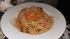 Giwalatos Spaghetti mit Zucchini-Linsen-Sugo, ein tolles Rezept aus der Kategorie Vegetarisch. Bewertungen: 1. Durchschnitt: Ø 3,0.