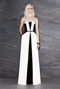 Maxime Simoens Pre-Fall 2014 Trunkshow Look 22 on Moda Operandi Elegant White Dress, Sophisticated Dress, Elegant Dresses, Beautiful Dresses, Black And White Formal Dresses, Gorgeous Dress, Maxime Simoens, Moda Outfits, Mode Chic