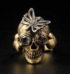 A. CODOGNATO Venise. Bague en or, l'anneau stylisant un tibia s