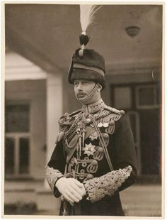 Prince Henry, Duke of Gloucester. In Hussar uniform. Prince Harry And Meghan, Prince And Princess, Queen Mary, Queen Elizabeth Ii, Eduardo Viii, Royal Family Portrait, Queen Victoria Children, English Monarchs, Princess Alexandra