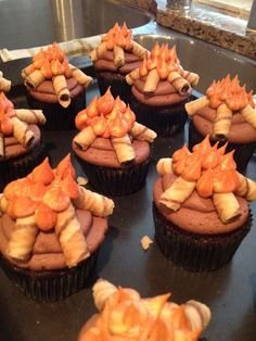Campfire Cupcakes | Shared by LION