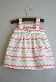 craftiness is not optional: pretty. easy. sundress. Do for Laurel!!