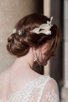 Vintage inspired gibson tuck with bridal headpiece | Gorgeous authentic 1940's inspired Bristol England Wedding | Photograph by Charlene Morton Photography  http://www.storyboardwedding.com/whimsical-vintage-1940s-bristol-england-wedding/
