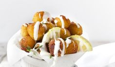 ArtTable   Κροκέτες πατάτας με σάλτσα γιαουρτιού