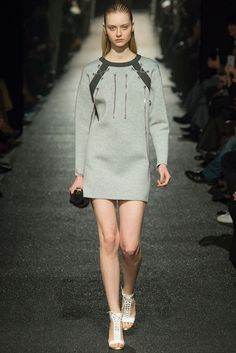 Alexis Mabille Fall 2015 Ready-to-Wear Collection Photos - Vogue