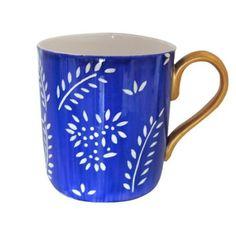 Tazza grande / mug in finissima porcellana bianca (bone china) per caffè o tè, dipinte a mano in disegno originale 'principe azzurro'. Lussuoso cofanetto regalo per il compleanno o le madri giorno