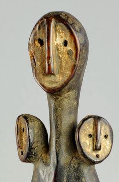 Belle statuette Bwami Sakimatwematwe LEGA Iginga Congo figure