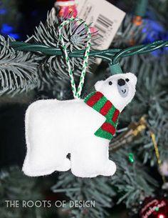 polar bear felt ornament no plans just visual idea Christmas Projects, Felt Crafts, Holiday Crafts, Felt Ornaments Patterns, Fabric Ornaments, Felt Christmas Decorations, Felt Christmas Ornaments, Christmas Sewing, Handmade Christmas