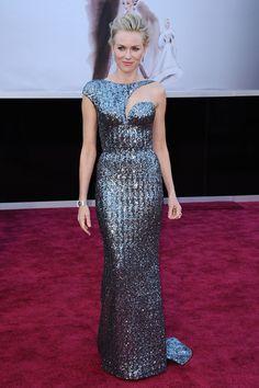 La robe graphique de Naomi Watts à la cérémonie des Oscars