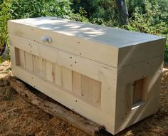 Cream Hope Chest / Toy Box/Blanket Storage from Reclaimed Pallet