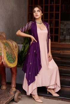 Indian Fashion Dresses, Indian Gowns Dresses, Dress Indian Style, Beautiful Dress Designs, Stylish Dress Designs, Simple Kurti Designs, Kurta Designs Women, Designer Party Wear Dresses, Kurti Designs Party Wear