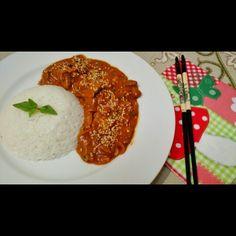 Panang curry se carne com arroz de coco