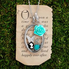 Origami Owl Custom Jewellery - Custom Lockets, Charms, and More! The new looking glass locket, it magnifies charms or words. Origami Charms, Origami Owl Lockets, Origami Owl Jewelry, Origami Owl Fall, Glass Hinges, Origami Owl Business, Locket Bracelet, Personalized Charms, Jewelry Companies