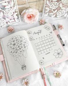 Werbung/Advertisement unpaid 🌸 A bit delayed, but now I show you my overview of August 🙈☺️ Flowers in combination with a hot air balloon 🤗…