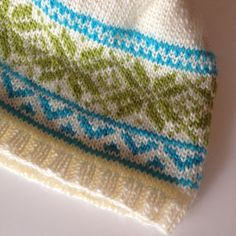 A basic fair isle knitting pattern with a classic Norwegian Star design.