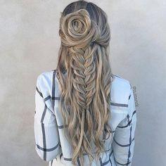 Beautiful half up   #hairstyle #hairstyles #ootd #makeup #hairtips #hairgoals #pastel #braids #fishtail #curls #topknot #longhair #beauty : @n.starck