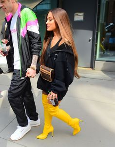 Ariana Grande ses looks cuissardes 2018 - Celebrity Style News: Celebrity Style Fashion and Latest Trends Ariana Grande Images, Ariana Grande Cute, Ariana Grande Drawings, Ariana Grande Fotos, Ariana Grande Style 2018, Ariana Grande Tumblr, Ariana Grande Outfits Casual, Cute Outfits, Red Outfits