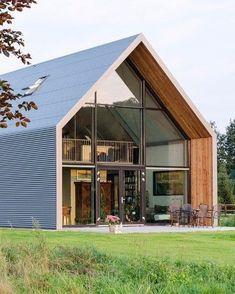 Modern barn style home Modern Barn House, Modern House Design, Casas Containers, Exterior Cladding, Wall Exterior, A Frame House, Shed Homes, Facade House, Exterior Design
