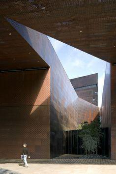 "Herzog & de Meuron — Museo ""De Young"""