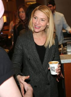 Good vibes only! The Homeland star enjoyed a delicious coffee to get her caffeine fix ahead of her busy schedule during the day Claire Danes, Park City, Aries Quotes Love, Carrie Mathison, Zodiac Characteristics, Zodiac Signs Sagittarius, Celebrity Updates, Sundance Film Festival, Good Vibes Only
