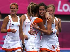 Naomi van As of Netherlands and team mate Eva de Goede