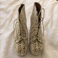 Jeffrey Campbell Lace Litas - size 7.5 Jeffrey Campbell White lace Litas - size 7.5. Slight discoloration on toe from wearing (see picture). Soles are in great shape. Jeffrey Campbell Shoes Platforms